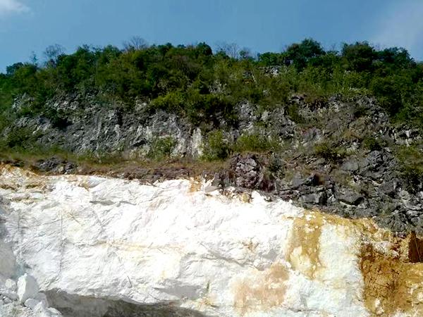 盛朗白石-自然矿山