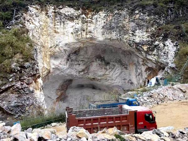 盛朗白石-实地采矿